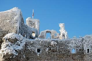 Oszronione ruiny zamku