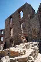 Wschodnie mury zamku w Siewierzu