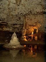 Nacieki w jaskini Punkevni