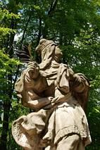Rzeźby przy zamku Valdstejn