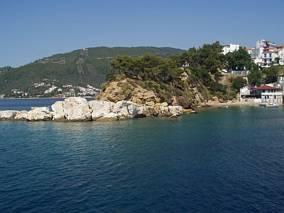 Wybrzeże wyspy Skiatos