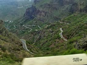 Serpentyny drogi do wąwozu Masca