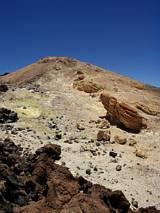 Wykwity siarki na zboczach Teide