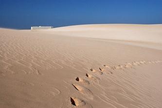 Samotny hotel na pustyni