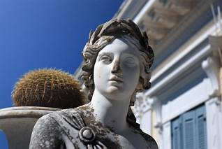 Posągi pałacowe